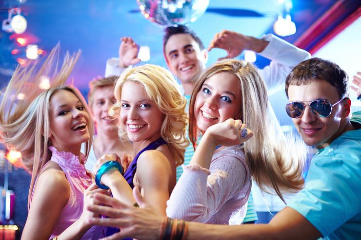 Как ведут себя знаки зодиака на вечеринках?