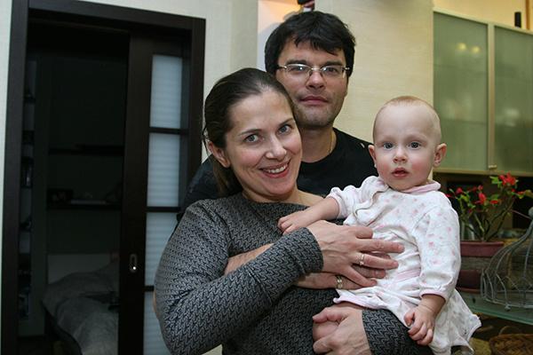 После рождения Василисы Юлия Джербинова посвятила себя семье