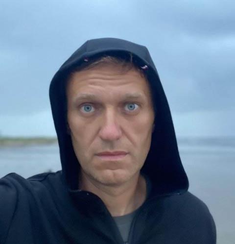 Представители Алексея Навального показали, откуда взялась бутылка с «Новичком» – видео