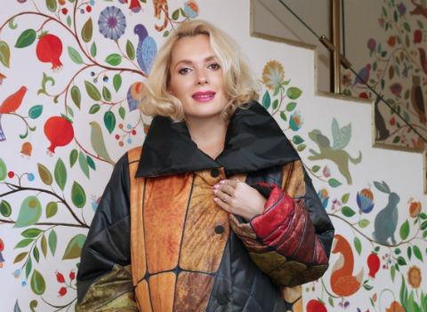 Беременная Мария Порошина покупает свободные наряды