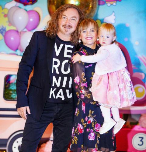Игорь Николаев с женой Юлией Проскуряковой и дочерью Вероникой