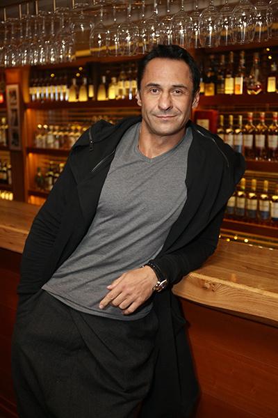Костюшкин добился официального разрешения курить на территории ресторана