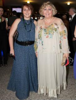 Марина Голуб и дочь Анастасия на открытии 34-го ММКФ. 21 июня 2012 годв