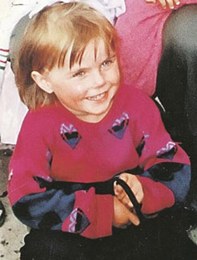 Такой была Оля в 4 года, когда попала к цыганам и получила новое имя
