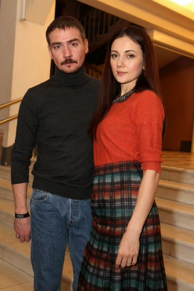 Супруга Дениса Ирина работала в кино, но после знакомства с ним стала домохозяйкой