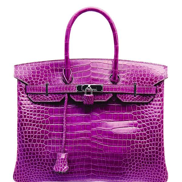 Такая сумка обошлась футболисту в 3,5 миллиона рублей