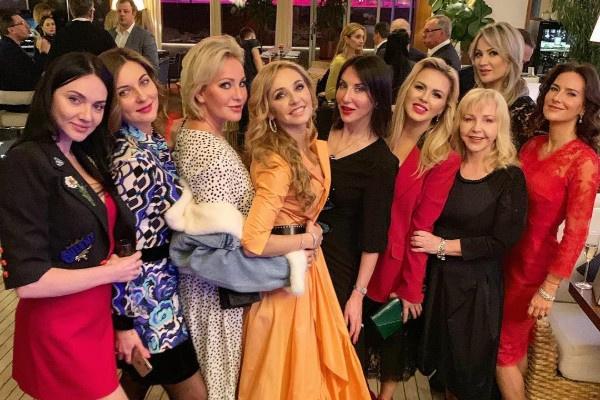Татьяну Навку поздравили звезды шоу-бизнеса