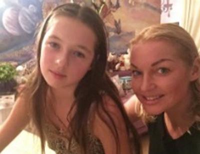 Анастасия Волочкова разобралась с недобросовестной няней дочери