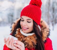 Как ухаживать за кожей зимой: 7 лайфхаков