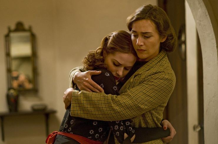 Сериал получил высокие оценки от критиков благодаря сильным актерским перфомансам