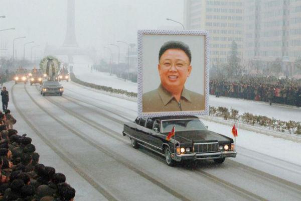 После смерти отца Ким Чен Ира Ким Чен Чон Нам отказался занять его место в пользу брата