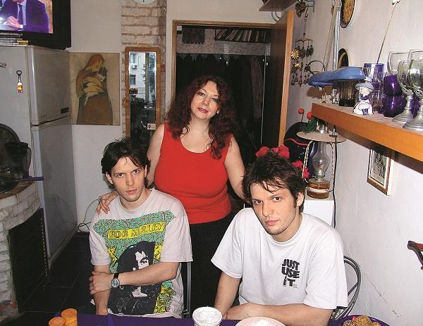 Петр и Павел предпочитают не афишировать родство со знаменитой мамой, 2005 год