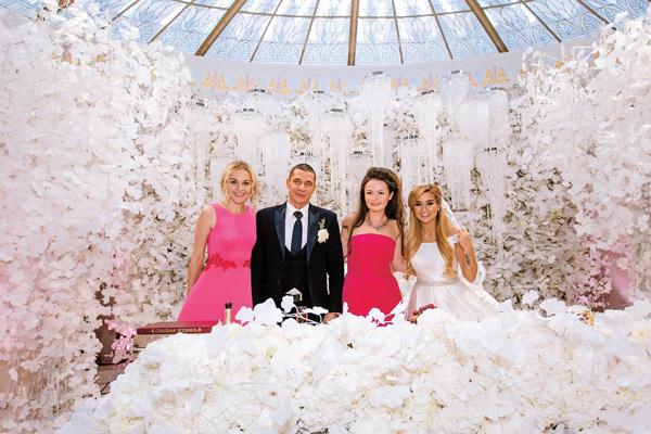 Анна вместе с декоратором Юлией Шакировой сделали для Ксении и Курбана торжество за полгода