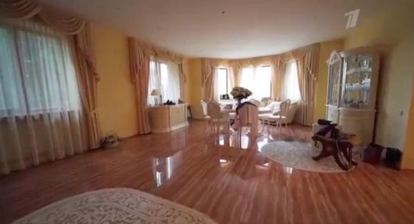 Евгения Медведева показала новый дом