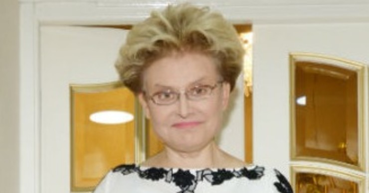 Елена Малышева впервые показала маму-инвалида