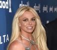 Бритни Спирс обвинила папарацци в фотошопе ее фигуры