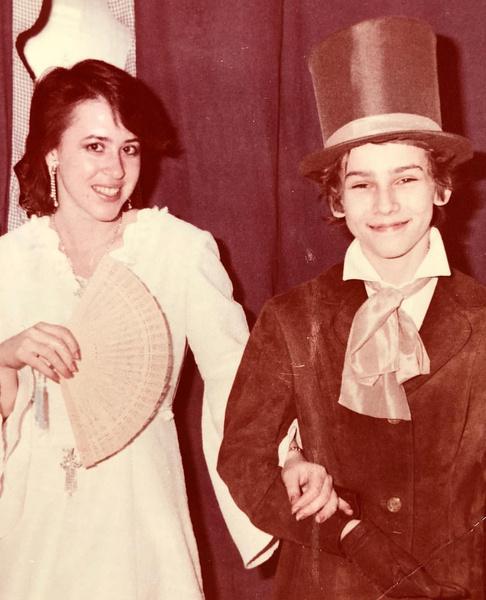 Со школы Галкин участвовал в костюмированных спектаклях