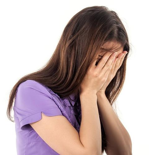 Общество: Ученицы скандальной школы рассказали об оргиях с директором – фото №1