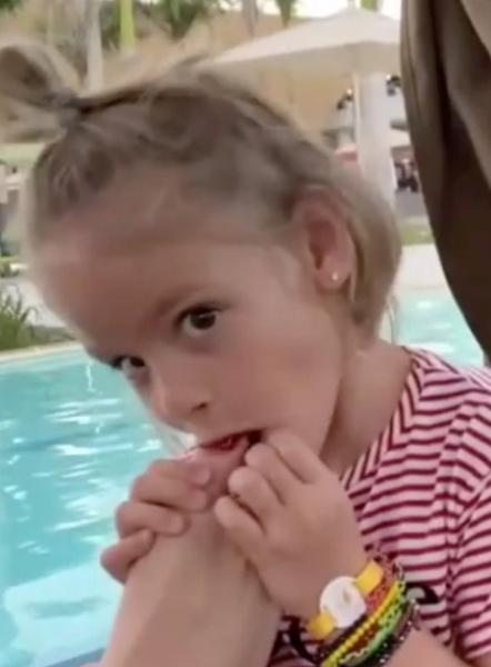 Лена Миро: «Шишкова улучшает внешность, пока ее дочь сосет ноги бабушки»