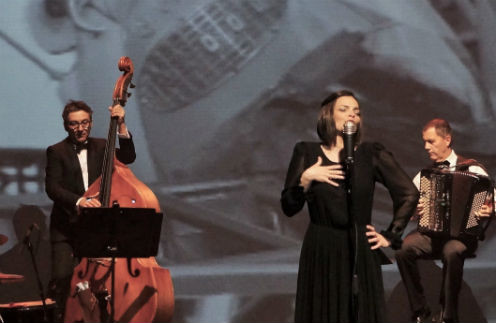 К 100-летию Эдит Пиаф покажут мюзикл по мотивам ее жизни