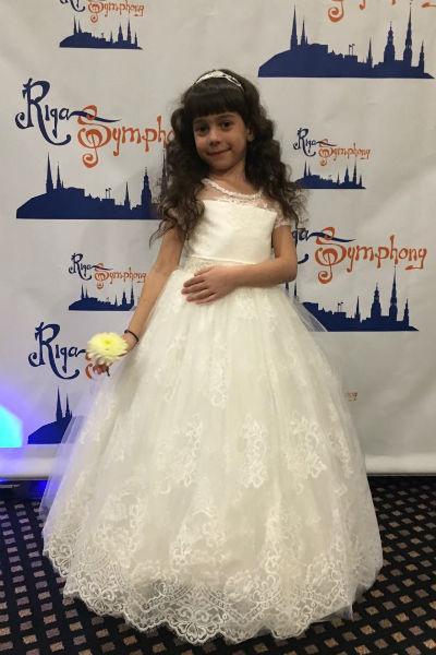 Молодая певица четыре года занимается вокалом в театре-студии «Непоседы»