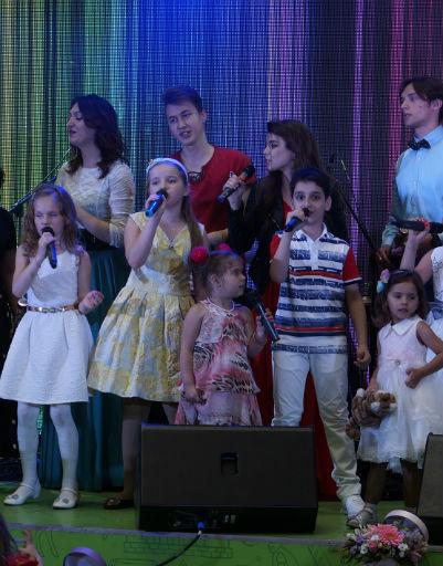 Ученики Пенкина показали свои вокальные способности