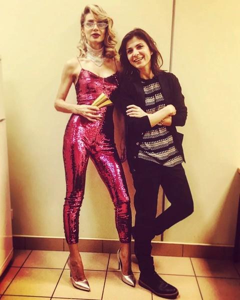 Нателла Крапивина покинула Лободу после скандала, хотя работала с ней 11 лет