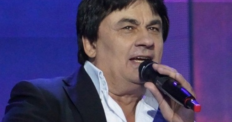 Александр Серов обвинил жену в изменах, алкоголизме и воровстве