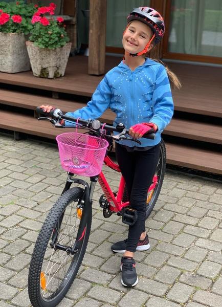 Клава Земцова на велопрогулке