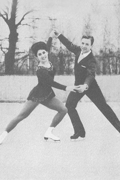 Ходили слухи, что Рыжкин отказался выступать с Пахомовой из-за того, что она отвлекалась на учебу в ГИТИСе