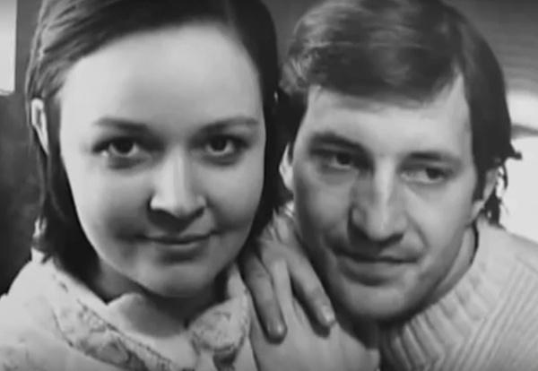 Первым мужем артистки стал Вячеслав Жолобов
