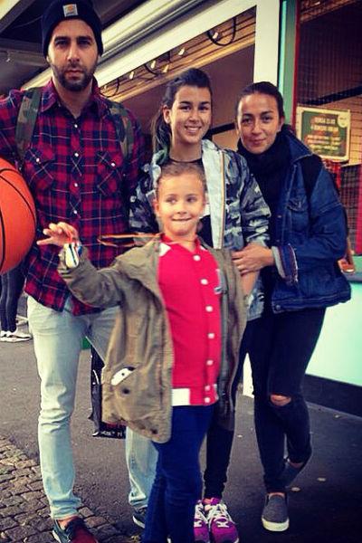 Иван Ургант с семьей.