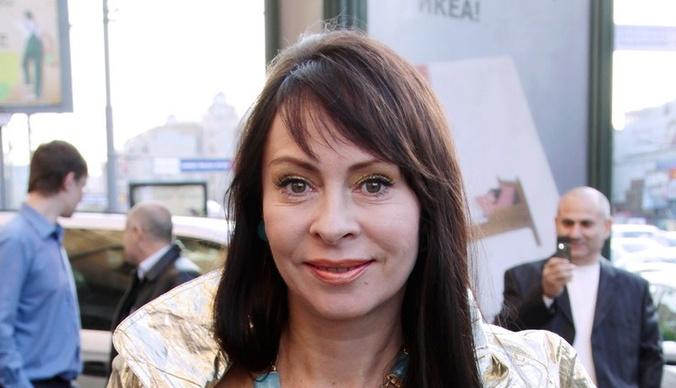 Марина Хлебникова - певица, пережившая тяжелую болезнь и самоубийство мужа