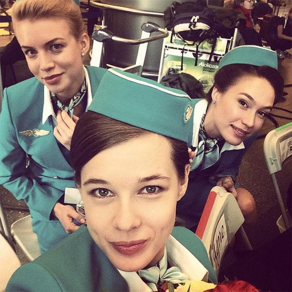 На съемках Катерина Шпица подружилась с настоящими стюардессами