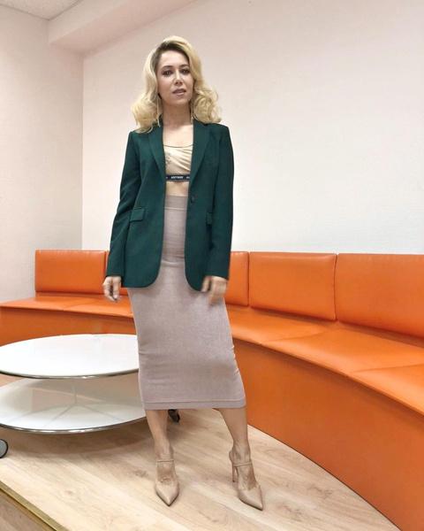 Карина Кокс: «В 30 лет быть в девичьей группе не солидно. Посчитала, что выросла из этих «штанишек»