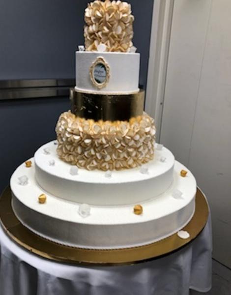 Праздничный торт молодожен