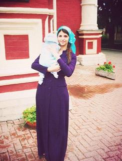 Алиана с малышом в день крещения