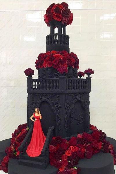 Ксения сама продумала дизайн торта