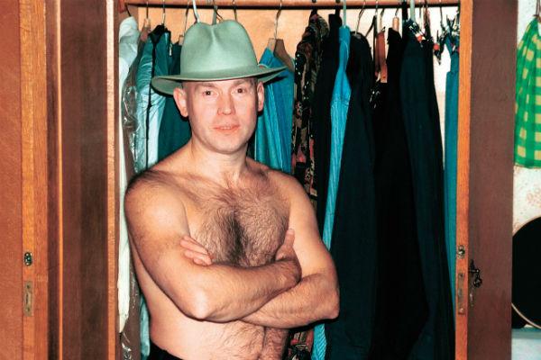 Артист всегда трепетно следил за своим гардеробом. Санкт-Петербург, 2000 год