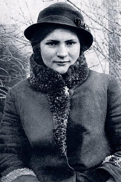 У мамы Нахапетова была уникальная и очень тяжелая судьба