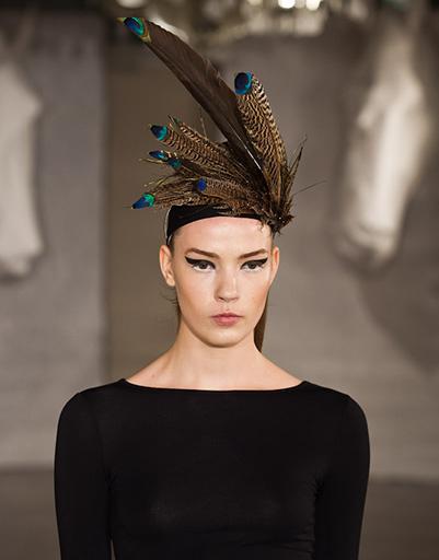 Дизайнер представил шляпки на любой вкус