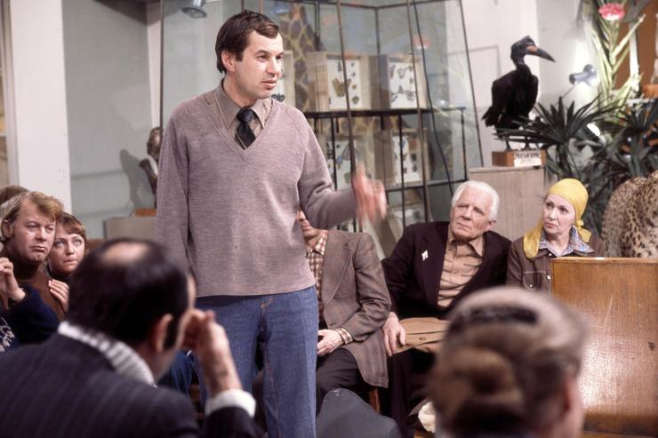 В комедии «Гараж» Георгий Бурков сыграл одного из ключевых героев, Виталия Фетисова