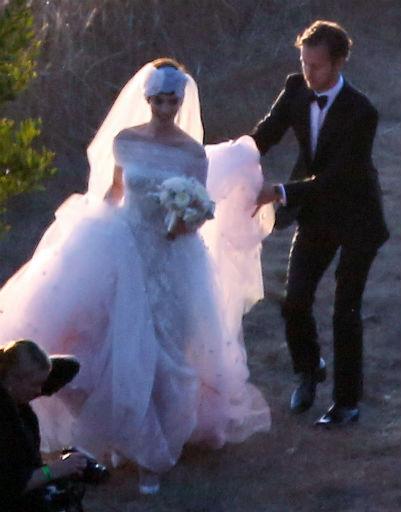Маэстро подарил платье не только Энн, но и подружкам невесты