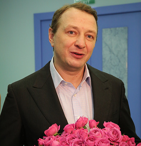 В театре опровергли увольнение Марата Башарова