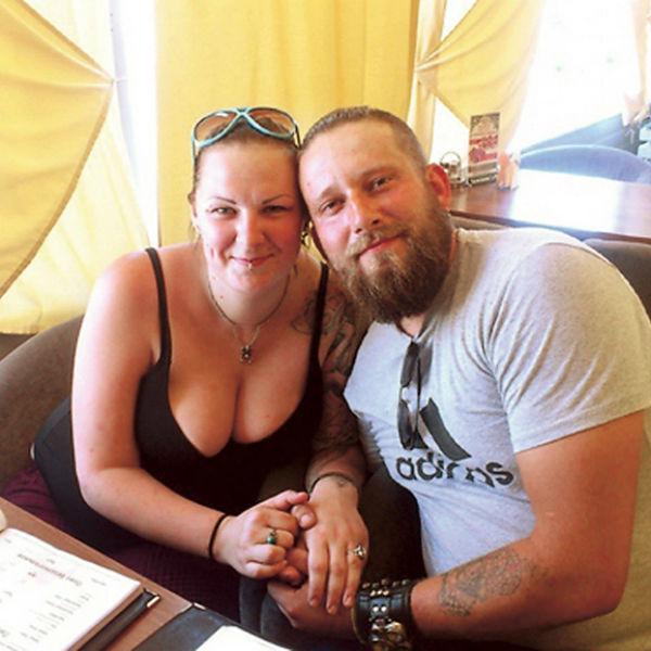 Возлюбленный Жени тоже тату-мастер, он во всем ее поддерживает и помогает с материалами для бесплатной работы