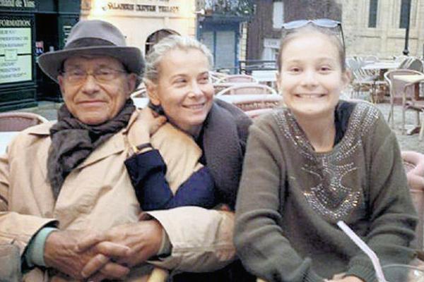 Стареющий мэтр и его муза. Почему Юлия Высоцкая остается с Андреем Кончаловским?
