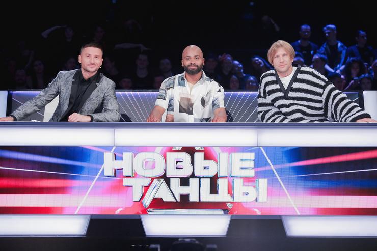 В каждом следующем выпуске кресла рядом с Мигелем будут занимать новые приглашенные члены жюри