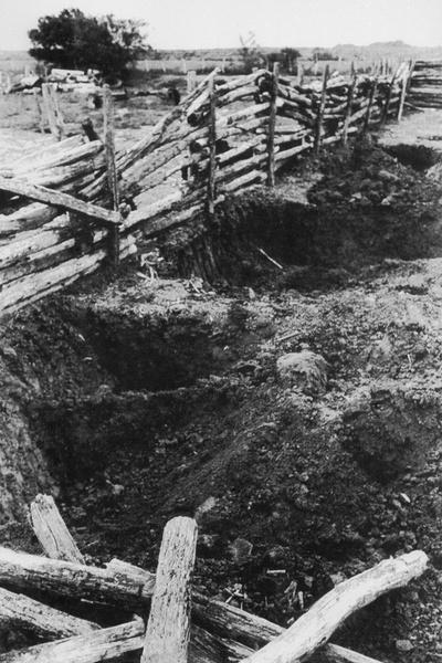 Найденные на ранчо могилы с останками жертв