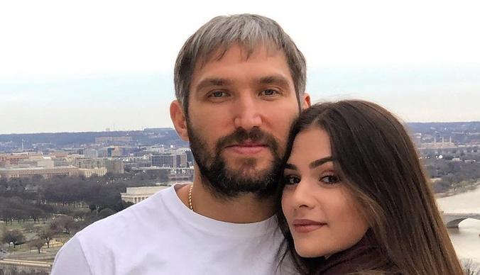 Супруга Александра Овечкина оказалась под капельницей из-за проблем с почками