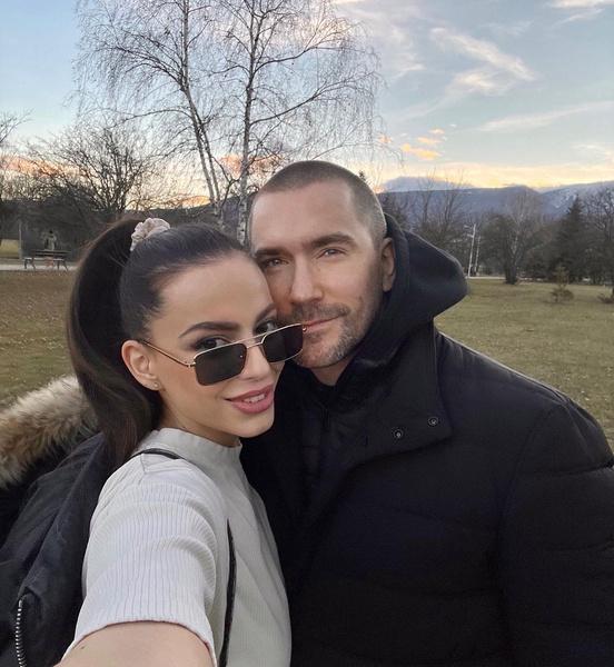 Олег Винник с избранницей Алекс